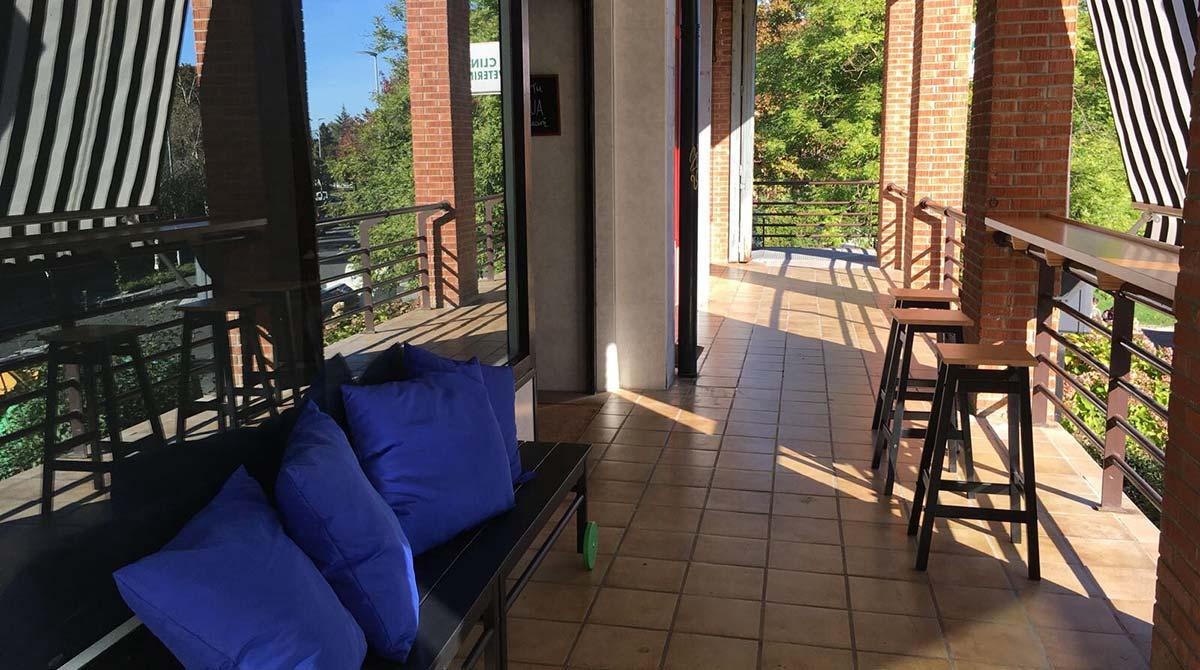 terraza desayuno hondarribia