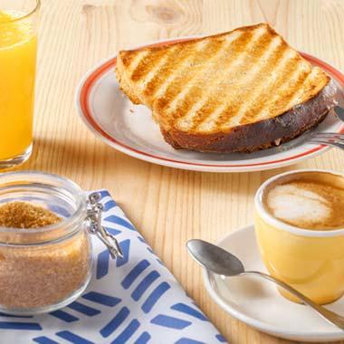 desayunar en hondarribia con sandwich mixto